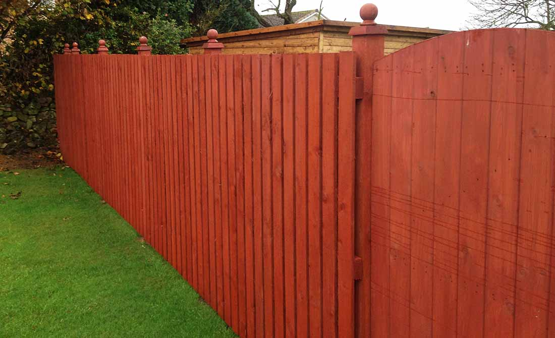 Fence Red